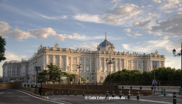 Koenigspalast-Madrid