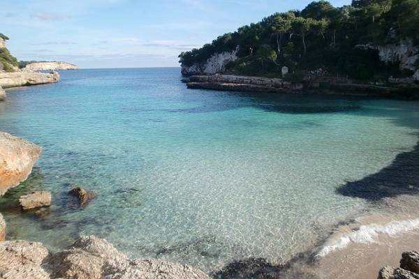Erholsamer FKK-Urlaub auf Mallorca am Strand Caló d'en Rafelino
