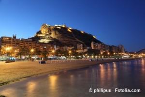 Alicante: Strand bei Nacht.
