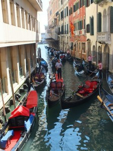 Canale-Grande-Gondelfahrt-Venedig