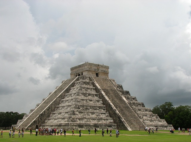 Chichen-Itza-Maya-Pyramide